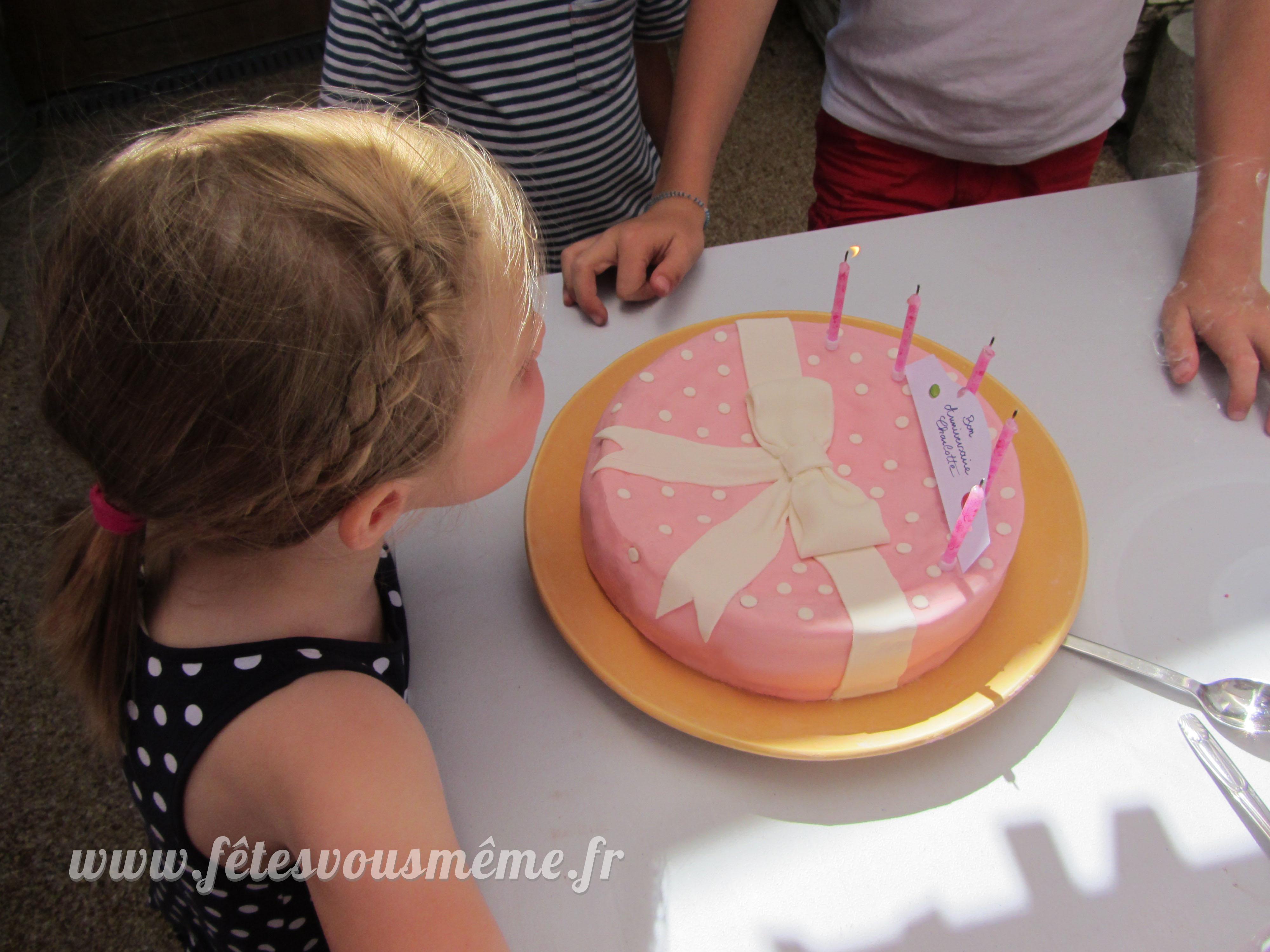 Gâteau arc en ciel Petite Pâtisserie