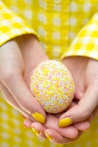 décorer des œufs-perle de sucre