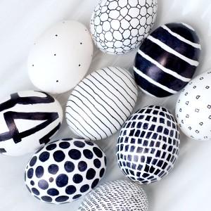 décorer des œufs au marqueur
