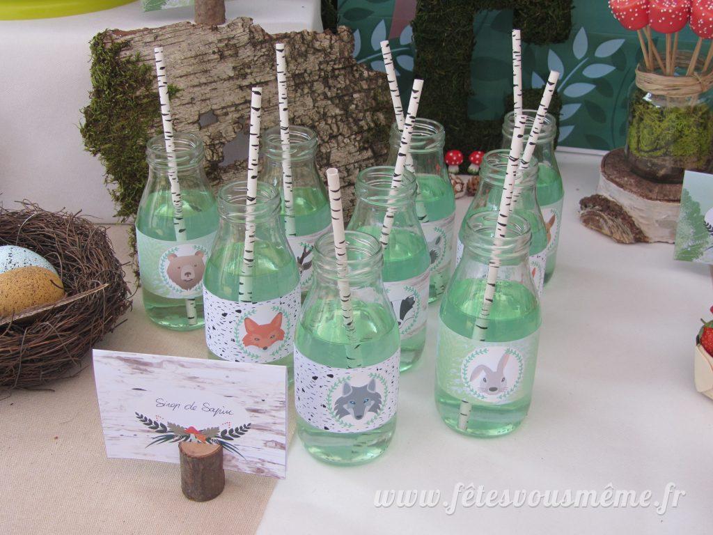 table Gourmande Thème forêt - bouteilles sirop de sapin - Fêtes vous même