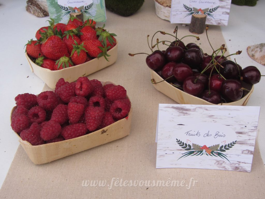 table Gourmande Thème forêt - fruits des bois - Fêtes vous même