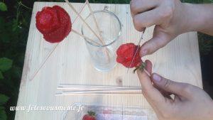 Bouquet gourmand de fraises - Découpe 2 - Fêtes vous même