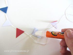 Guirlande de drapeaux tricolores - collage - Fêtes vous même