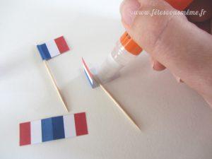 Guirlande de drapeaux tricolores - collage drapeaux - Fêtes vous même
