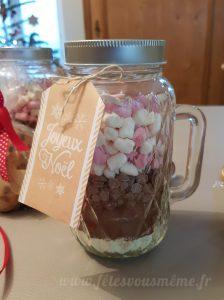 bocal à chocolat chaud et son étiquette